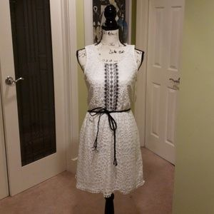 NWT Trixxi white & black lace sleeveless dress: M